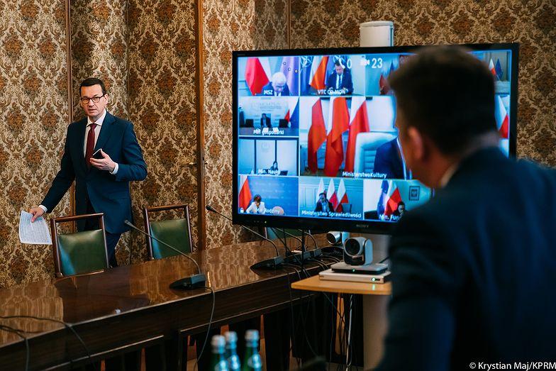 Rząd we wtorek przyjął projekt ustawy, która ma wprowadzić korekty do działającej od 1 kwietnia tarczy antykryzysowej