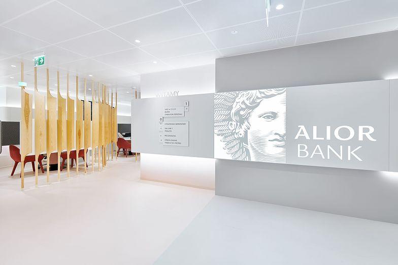 Alior Bank: 91% użytkowników smartfona za jego pomocą robi przelewy