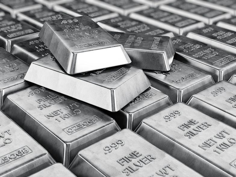 Kurs srebra drastycznie spada.