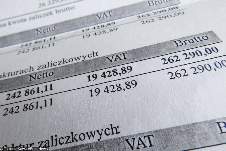 Coraz więcej firm nie opłaca faktur na czas i bankrutuje.