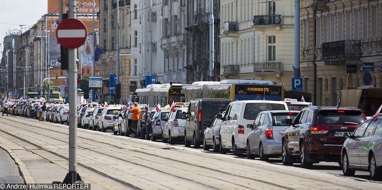 Strajk taksówkarzy planowany jest na poniedziałek. Na zdjęciu protest z 2017 r.