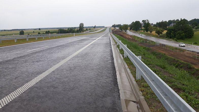 Nowy odcinek drogi ekspresowej płynnie połączy się z już funkcjonującą trasą od strony węzła Kurów Zachód.