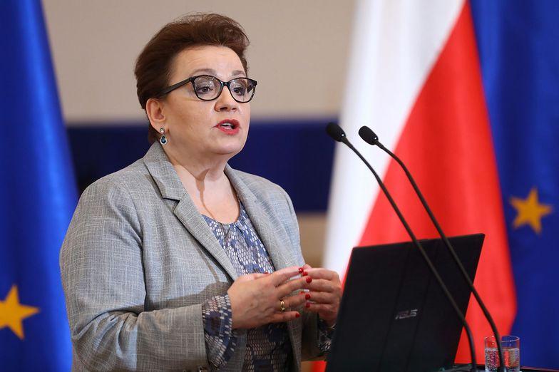 Anna Zalewska nie jest w stanie porozumieć się z nauczycielami ws. płac