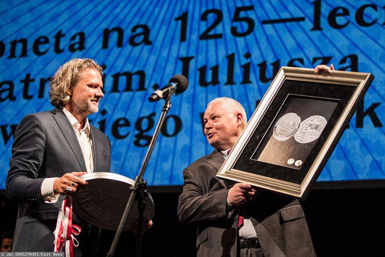 Prezes NBP Adam Glapiński na prezentacji kolekcjonerskiej monety wybitej z okazji 125-lecia Teatru im. Juliusza Słowackiego.