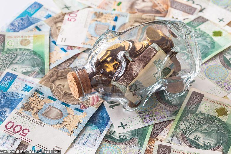 Kredyt gotówkowy - jak już trzeba pożyczyć, to lepiej dobrze wybrać, by nie przepłacić