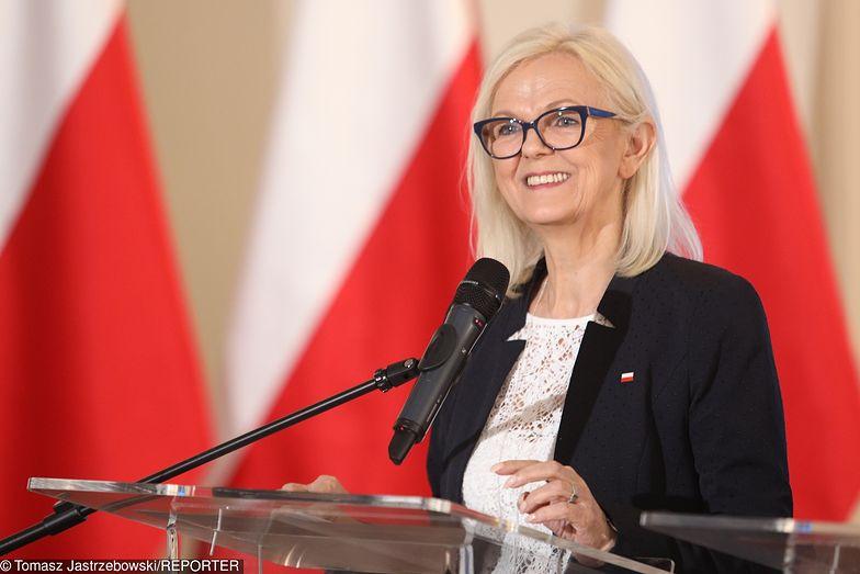 Bożena Borys-Szopa, minister rodziny, pracy i opieki społecznej