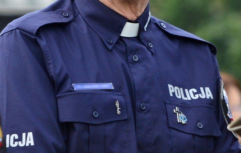 W policji na stałe pracuje 10 księży katolickich