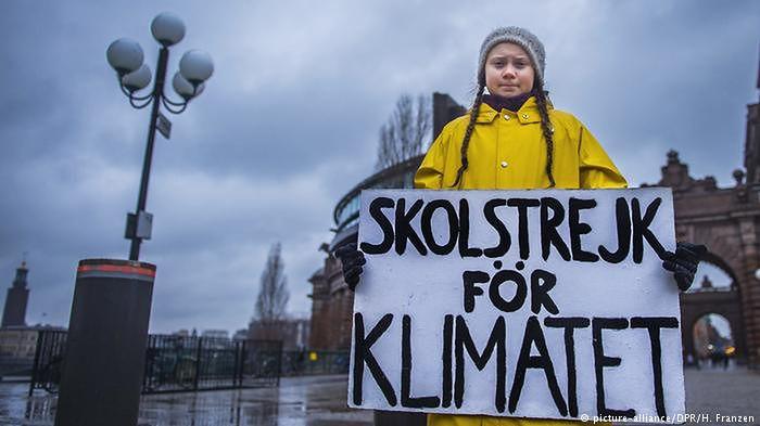 """Szesnastoletnia Szwedka wygarnia menedżerom na forum w Davos. """"Liczą się tylko pieniądze"""""""