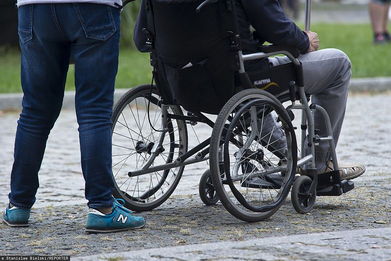 Spacer w ramach rehabilitacji powinien być dopuszczalny.