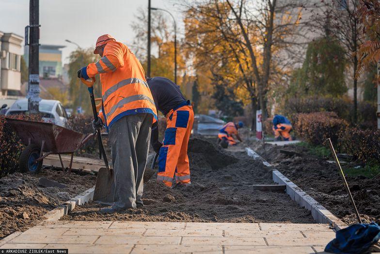 2,6 mln Polaków na śmieciówkach boi się, z czego będzie żyć