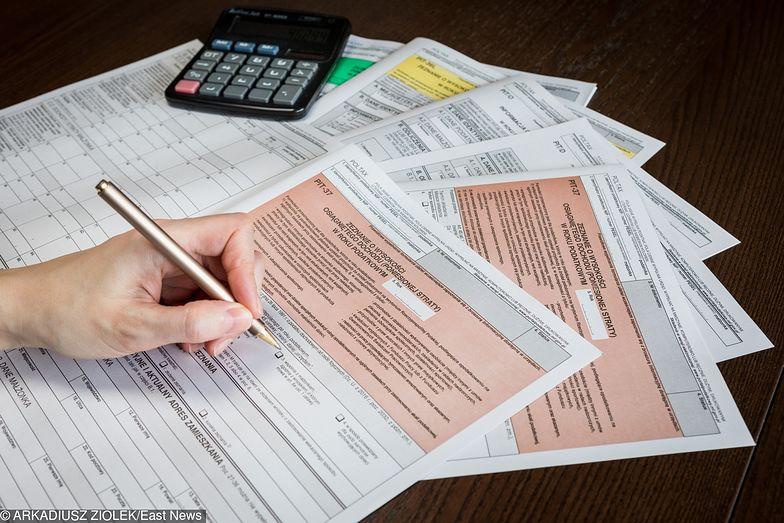 PIT obniżony do 17 proc. Ile pieniędzy więcej trafi na konto pracowników?
