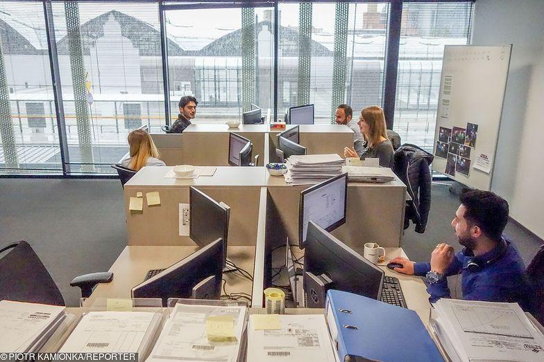 Średnie zarobki w Polsce są blisko 5 tys. zł brutto.