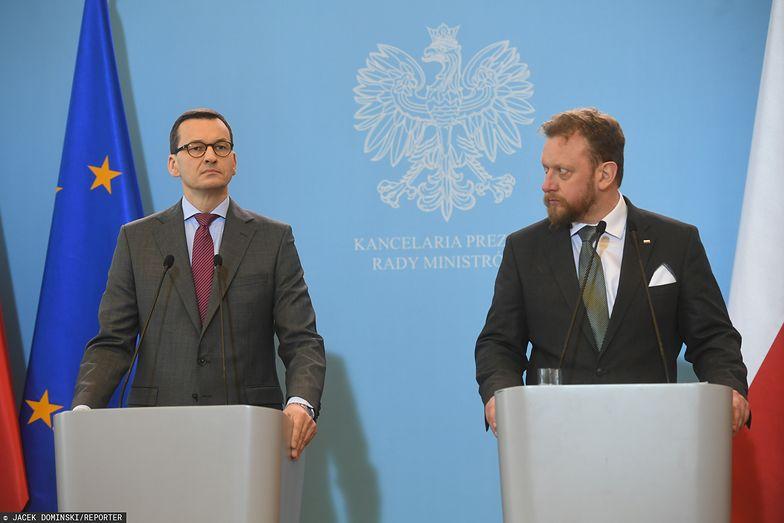 Premier Mateusz Morawiecki i minister zdrowia Łukasz Szumowski są na froncie walki rządu z gospodarczymi skutkami koronawirusa.