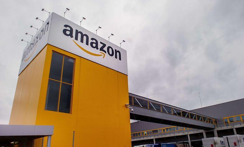 Oberwać ma między innymi Amazon. Na zdjęciu magazyn firmy w Lawin-Planque we Francji.