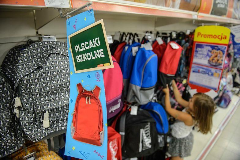 W dziewięciu na dziesięć rodzin to dzieci decydują, jakie ubrania i przybory kupić do szkoły