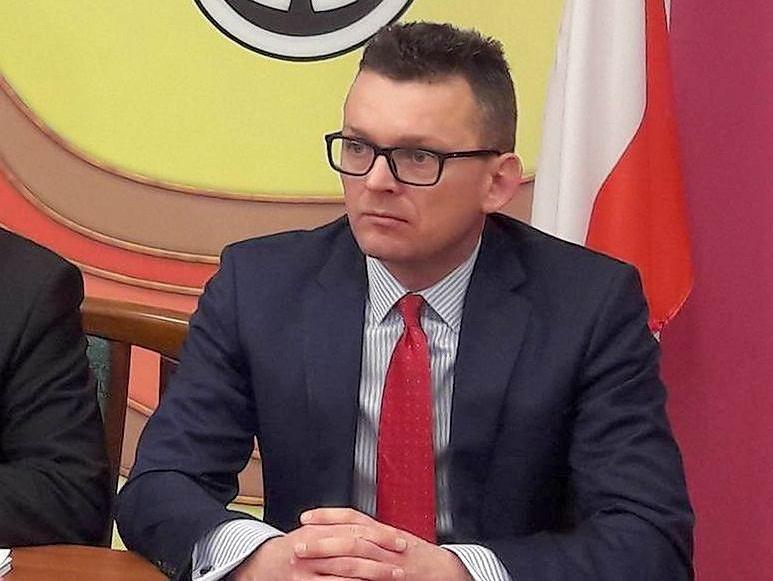 Damian Stawikowski chce, by do Gór Stołowych można było dojechać przez Złoty Stok. Taka linia kolejowa nie istnieje.