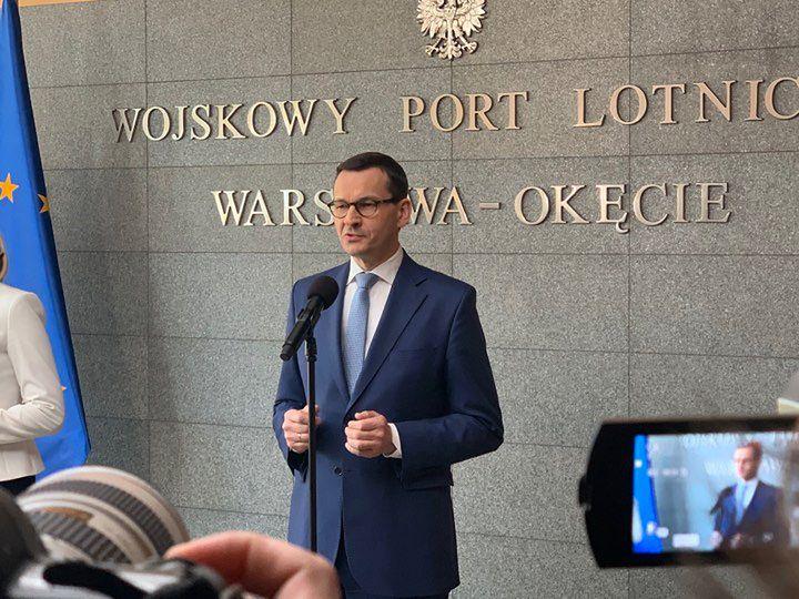 - Chcemy popatrzeć na pensum, dlaczego polscy nauczyciele przy tablicy spędzają najmniej czasu w Unii Europejskiej - powiedział premier.