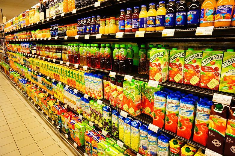 Vat na napoje owocowe lub warzywne z min. 20 proc. zawartością soku/przecieru ma zostać podniesiony.