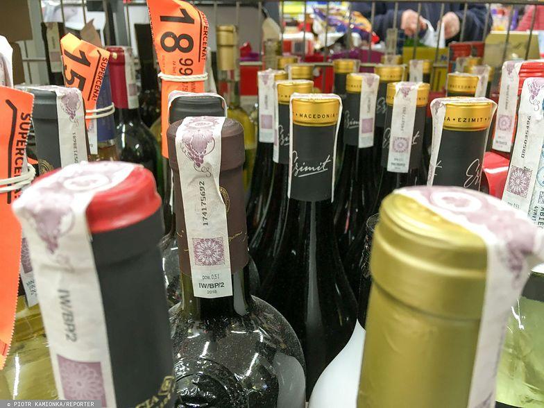 Akcyza na alkohol i papierosy. Senat odrzucił projekt podwyżki, przygotowany przez rząd.