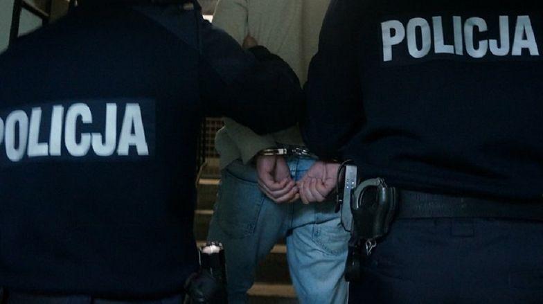 Policja zatrzymała 33 i 35-latka.