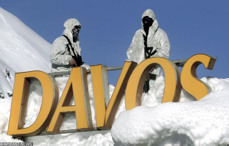 Taki widok to nic nadzwyczajnego w Davos. Służby widać na każdym kroku i dachu