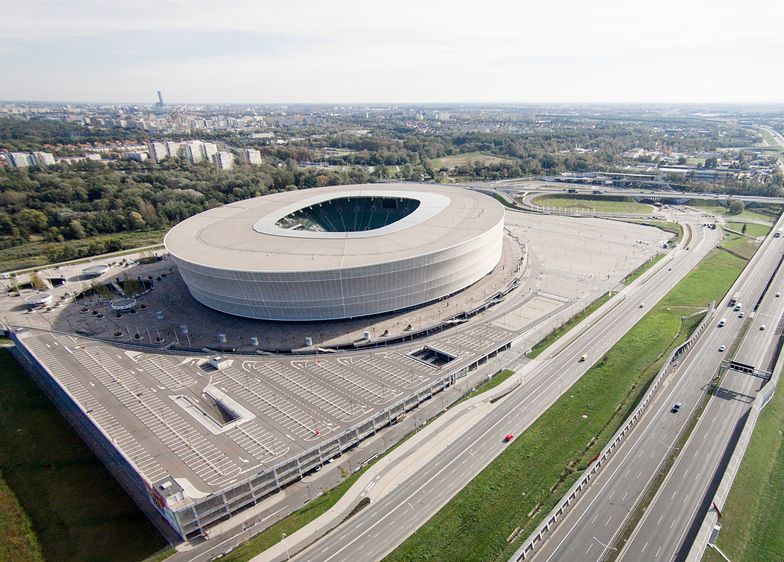 Stadion na blisko 43 tys. widzów bardzo rzadko się zapełnia.