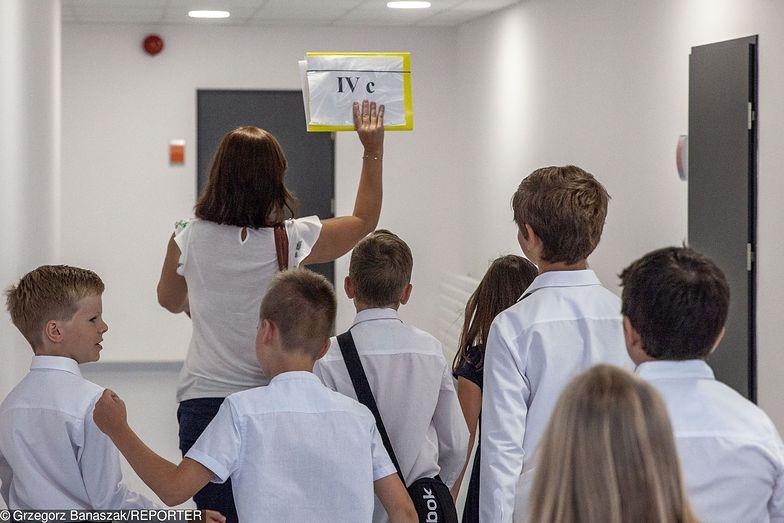 """Nie wszyscy nauczyciele będą strajkować, niektórzy uważają, że blokowanie egzaminów to """"szantaż na uczniach"""""""