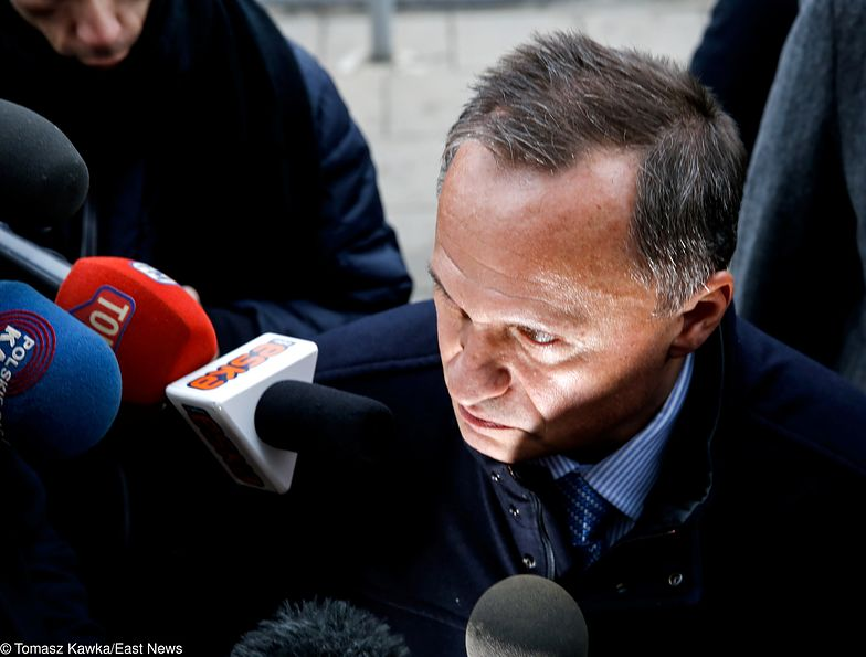 Leszek Czarnecki ujawnił nagranie, na którym były szef KNF miał składać propozycje korupcyjne.