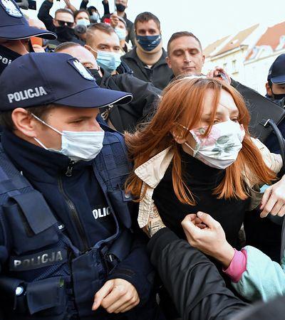 Strajk kobiet w środę. Prawnicy nie mają dobrych wieści dla protestujących