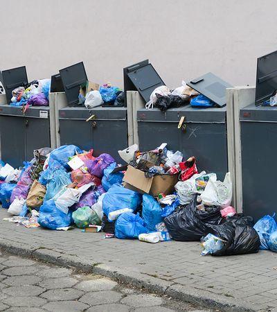 Podwyżki za śmieci to początek kłopotów. Samorządy zapłacą kary albo przerzucą je na mieszkańców