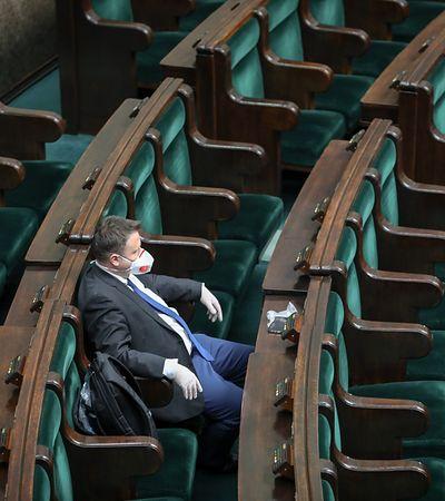 Tarcza antykryzysowa przyjęta przez Sejm. Teraz trafi do Senatu