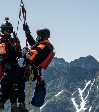 """Ratownicy górscy nie tylko ratują ludzi, ale też... szukają sponsorów. """"To niepoważne"""""""