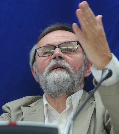 Obietnice PiS. Bugaj: kiełbasa wyborcza bez żadnych osłon