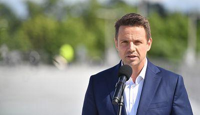 Wybory prezydenckie 2020. Emerytura bez podatku to ukłon Trzaskowskiego w stronę Kosiniaka