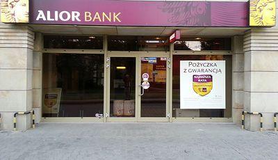 Alior Bank niemal podwaja zyski i nakręca hossę. Wiemy, jak skorzysta na decyzji RPP