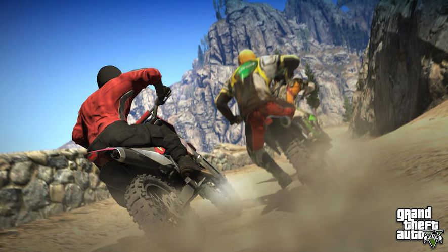 GTA V: tenis, motocykle i spadochron