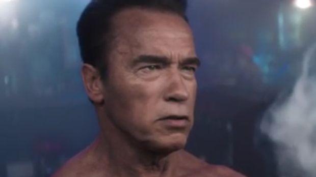 Arnold Schwarzenegger zachęca do zamawiania WWE 2K16 przed premierą