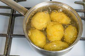 Jak wykorzystać wodę po ugotowanych ziemniakach? (WIDEO)