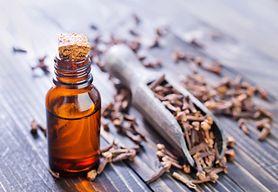Olejek goździkowy – skład, właściwości i zastosowanie