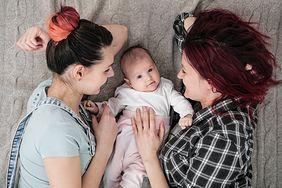 Dziecko z dwoma matkami? Polski sąd zabiera głos