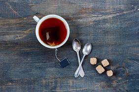 Nietypowe sposoby na wykorzystanie suchej torebki herbaty