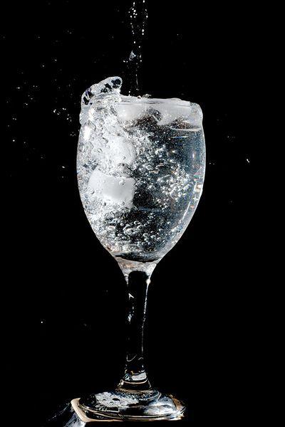 Dodaj szklankę wody