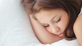 Odsypianie w weekendy jest zdrowe. Eksperci wyjaśniają, dlaczego (WIDEO)