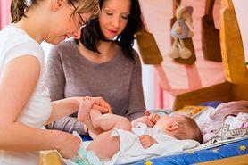 Czego można oczekiwać od położnej podczas pierwszej wizyty po narodzinach dziecka?