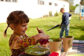 Twoje dziecko nie reaguje na głośne, gwałtowne dźwięki? To może być problem z niedosłuchem