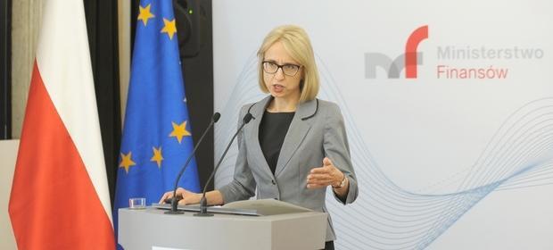 """Minister Teresa już w czerwcu przyznała, że """"nie ma sensu dublować przesyłanych informacji""""."""