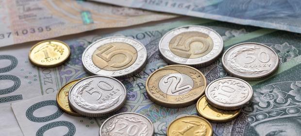 Tak naprawdę przeciętny Polak w firmie zarabia o 440 zł mniej, niż wylicza GUS - uważa PARP