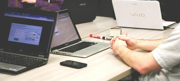 W niektórych firmach informatycy mogą zniknąć z pracy z dnia na dzień. Winny nowy pomysł MF na uszczelnienie ściągalności podatków.
