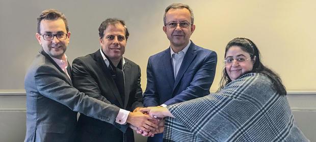 Szefostwo Grupy Nowy Styl i spółki Stylis Dubai: prezes Adam Krzanowski (w środku po prawej), wiceprezes Rafał Chwast (po lewej), także szef Stylis Dubai Hesham Ibrahim z żoną.