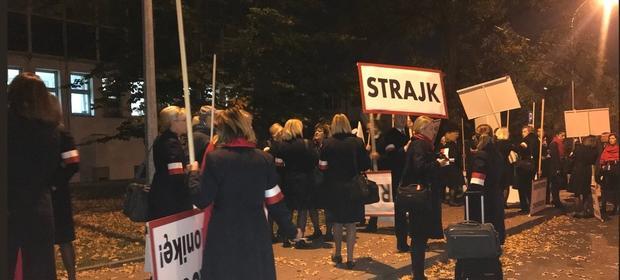 Strajk rozpoczął się w czwartek o 5 rano